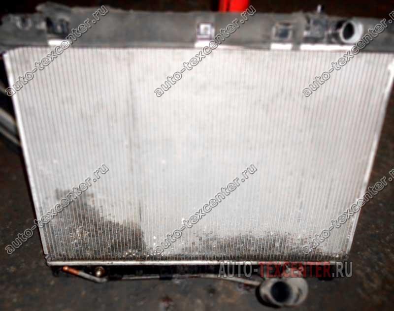 замена радиатора охлаждения Киа Карнивал