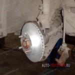 Замена тормозных колодок и дисков Kia Picanto 1