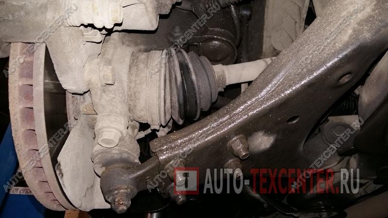 Замена шаровой опоры Hyundai Tucson (3)